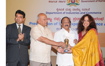Sami Labs wins four State Excellence Exports Awards from Visvesvaraya Trade Promotion Centre for the year 2011-12 and 2012-13